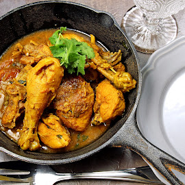by Dipali S - Food & Drink Plated Food ( dish, vindaloo, tikka, cuisine, pakistani, korma, cooked, masala, asian, chicken, meat, lunch, gourmet, meal, bowl, jalfrezi, rice, spicy, indian, traditional, mughlai, chili, curry, sauce, dinner, coriander, red, food )