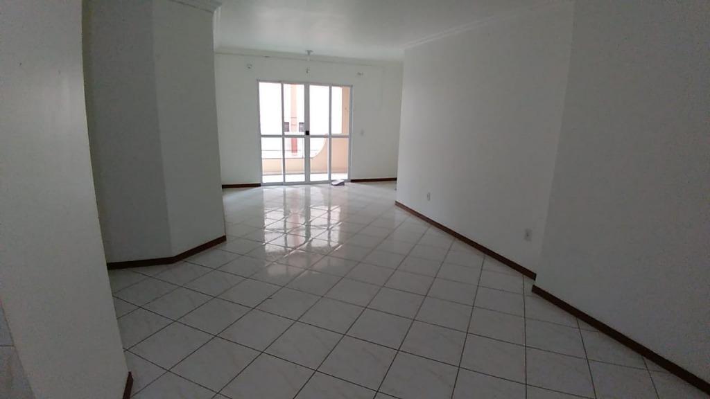 Apartamento com 3 dormitórios para alugar, 129 m² por R$ 2.200/mês - Meia Praia - Itapema/SC