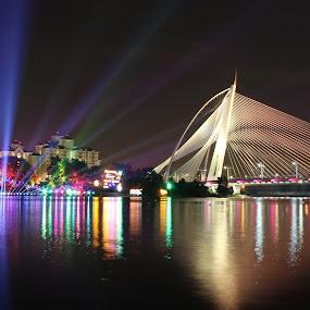 Lighting Brigde by RiNeo aFnIzAn - City,  Street & Park  City Parks