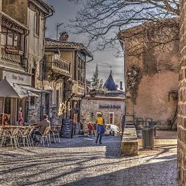Callejeando ... by Jose Maria Vidal Sanz - City,  Street & Park  Street Scenes