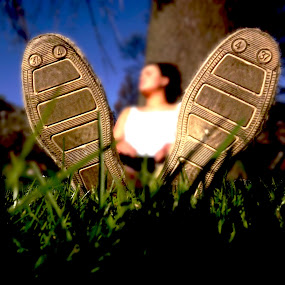 big foot by Danny Charge - People Body Parts ( macro, tree, grass, foot, big )