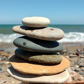 by Nancy Tonkin - Nature Up Close Rock & Stone