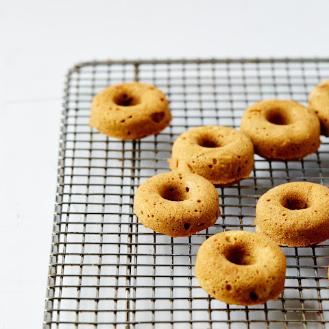 MINI MAPLE SPICED DOUGHNUTS WITH MOLASSES GLAZE (Gluten & dairy-free)