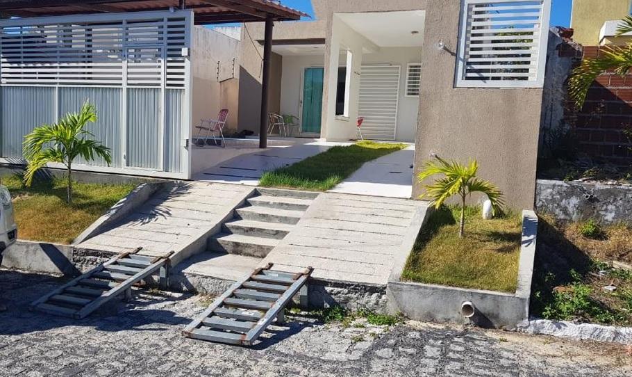 Casa com 2 dormitórios à venda, 75 m² por R$ 180.000,00 - Tabatinga - Conde/PB