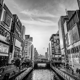 Osaka Dotonburi Bridge by Ezekiel Kok - Buildings & Architecture Bridges & Suspended Structures ( samyang, destinations, 12mm, dotonburi, b&w, dream, osaka, white, xt-1, holiday, vacation, japan, fujifilm, fuji, bridge, black )
