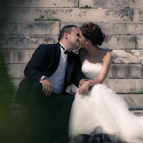 by Valeriu Ionut Popa - Wedding Bride & Groom