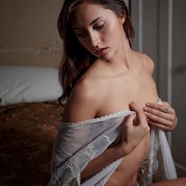 Zoe VIII by Xavier Wiechers - Nudes & Boudoir Artistic Nude