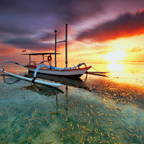 Sailing by Agoes Antara - Transportation Boats