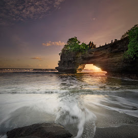 Pura Batu Bolong by Agung Hendramawan - Landscapes Beaches ( #sunset, #bali )