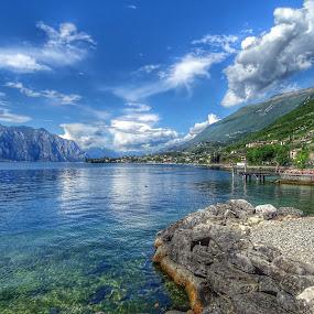 Roccia nel Lago di Garda by Patrizia Emiliani - Landscapes Waterscapes ( lago, roccia, hdr, italia, garda,  )
