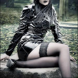 Sexy Gothic Vamp Girls Puzzle 1.0.2 Icon