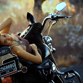 .: Let's Go with Me, Ride with my HD :. by Garenk Ulunger - People Portraits of Women