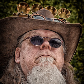I Listen ! by Marco Bertamé - People Portraits of Men ( glasses, beard, hat )