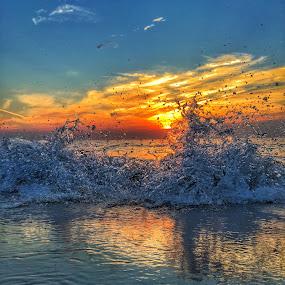 Crashing Beauty by Rob King - Landscapes Beaches ( waves, wave, sea, seascape, sunrise, beach )