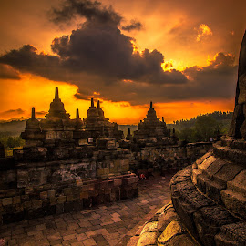 Borobudur Temple by Bekti Sulasyono - Buildings & Architecture Statues & Monuments ( temple, indonesia, sunset, archeology, borobudur,  )