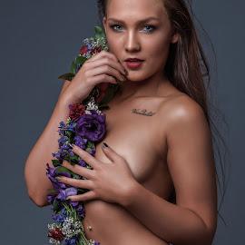 Natasha 2 by Phil Anderson - Nudes & Boudoir Boudoir ( studio, model, fujifilm, hot, profoto )
