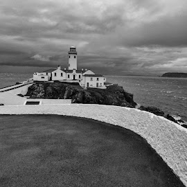 Fanad Lighthouse  by Helen Quinn - Buildings & Architecture Public & Historical ( leading lines, ireland, black and white, fanad, lighthouse, donegal )