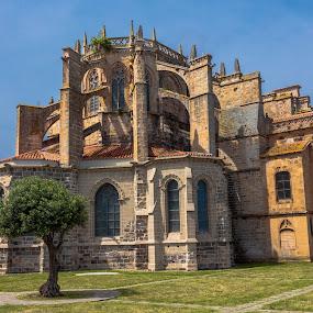 iglesia de Castro Urdiales, Cantabria by Roberto Gonzalo Romero - Buildings & Architecture Places of Worship ( iglesia, castro urdiales )