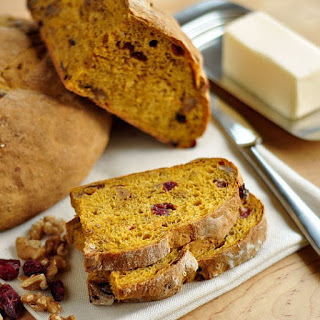 No-Knead Cran-Walnut Pumpkin Toasting Bread