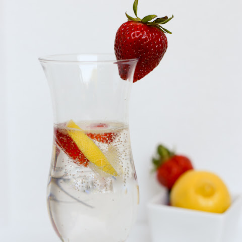 Fizzy Strawberry Infused Lemonade