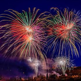 2128 jpg. firework Jul-2-17-2127.jpg