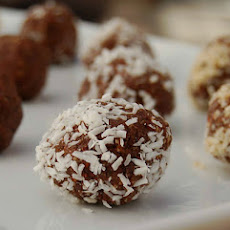 Superfood Raw Cacao Almond Truffles