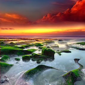Sunset in Balangan by Manu Teja - Landscapes Beaches