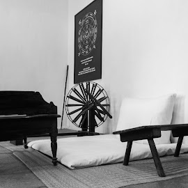 Charkha by Anuj Dani - Artistic Objects Antiques ( old, black and white, antique, heritage, antiques )