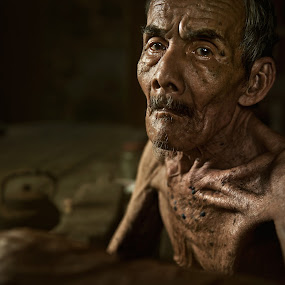 Pok Nik by Zulkifli Omar - People Portraits of Men ( old men, age, senior citizen, men, portrait, human )
