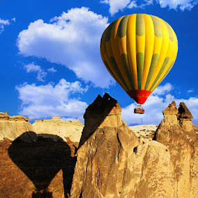 Hot Air Balloon by Vincentius Hioe - Landscapes Travel ( hot air balloon, turkey, cappadocia )
