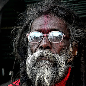 A TIRED MONK................ by Arunabha Kundu - People Street & Candids ( pratiki, soham, arijit, arnab, dipankar )