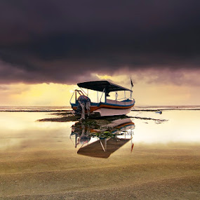 dont wanna go.. by Bayu Sanjaya - Transportation Boats