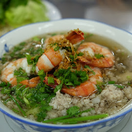 Prawn Pork Noodle by Beh Heng Long - Food & Drink Plated Food ( cambodian food )