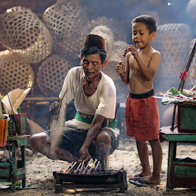 by Nicholas Wibowo - People Family ( dad with kids, senior citizen, dad and 'kid' )