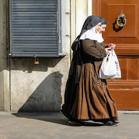 Shopping in Rome by Karin Wollina - People Street & Candids ( nuns, rome, street, shopping, women,  )
