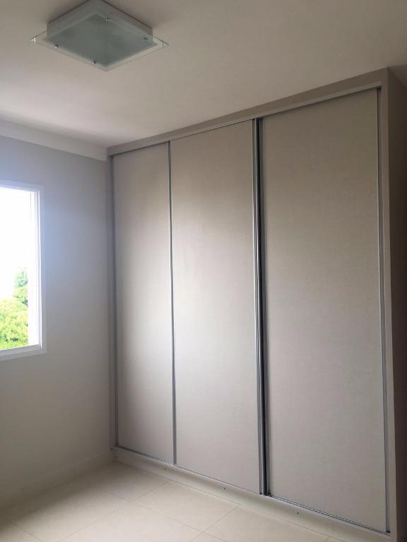 Apartamento residencial à venda, Saraiva, Uberlândia - AP068