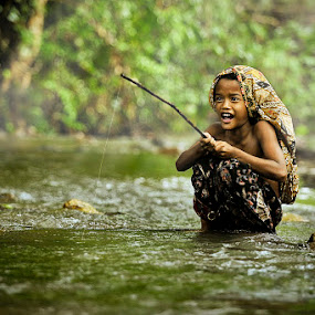 fishing by Chegu Diman - Babies & Children Children Candids ( diman, interest, rol, chegu, human )