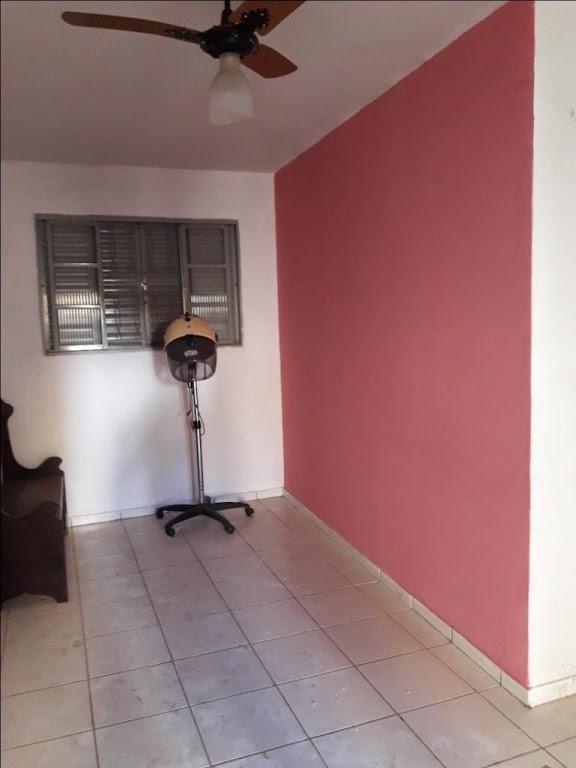 Casa com 6 dormitórios à venda, 292 m² por R$ 1.000.000 - Centro - Uberaba/MG