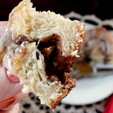 Texas Giant Cinnamon Rolls