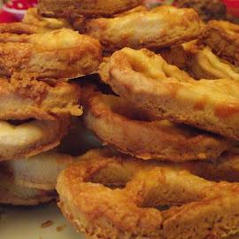 Homemade pretzels by Jakab Robert - Food & Drink Candy & Dessert ( pretzel, food, homemade, baked, dessert )