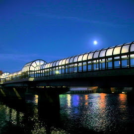 4thSt Bridge by Jodi Zimmer - Buildings & Architecture Bridges & Suspended Structures ( pedestrian, twilight, walkway, bridge, awning, river )