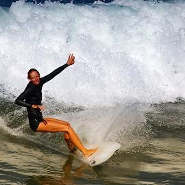 Jolie Sabrina by Gérard CHATENET - Sports & Fitness Surfing