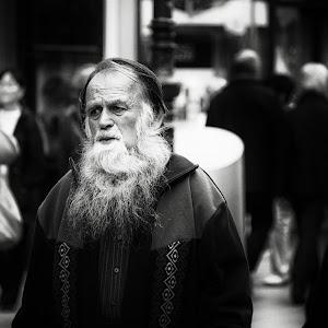 beard man cont.jpg