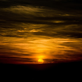 Glorious Sunset by Yi Xuan Lee - Landscapes Sunsets & Sunrises ( clouds, orange, red, crimson, sunset, yellow )
