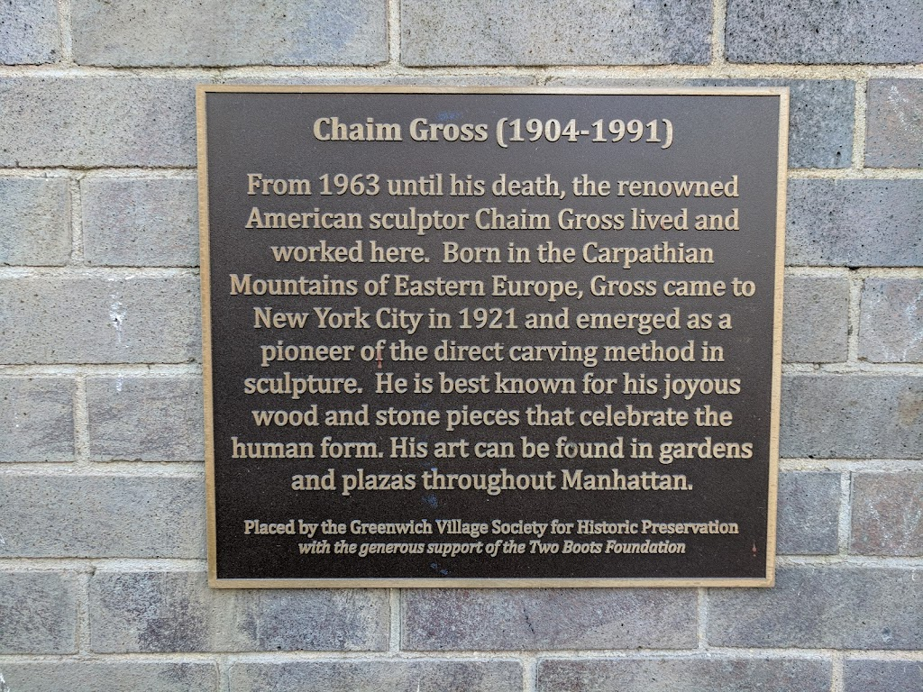 Chaim Gross (1904-1991) From 1963 until his death, the renownedAmerican sculptor Chaim Gross lived andworked here. Born in the CarpathianMountains of Eastern Europe, Gross came toNew York City in ...