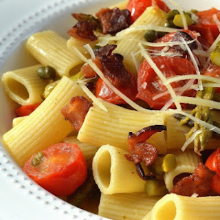 Pasta With Asparagus, Tomatoes & Bacon