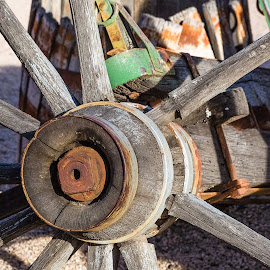 Wagon Wheel by Dave Lipchen - Artistic Objects Other Objects ( wagon wheel )