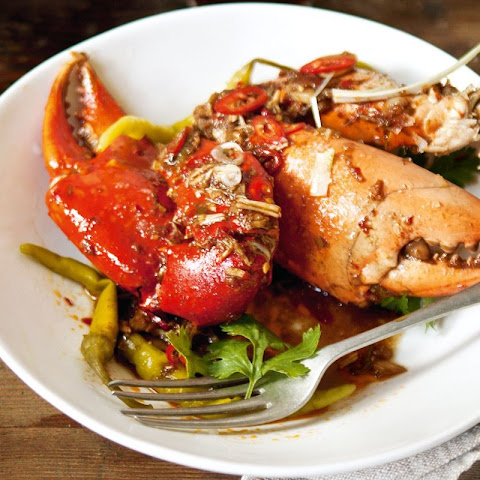 Wok-fried Mud Crab Claws With Tamarind, Galangal And Chilli Bean Paste