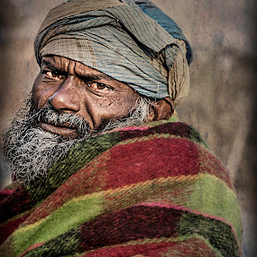 dont damn me! by Rajarshi Mitra - People Street & Candids ( face, distresssed, beggers, street, poor, indian, man, portrait, delhi )