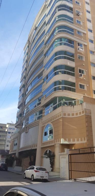 Apartamento com 3 dormitórios à venda, 132 m² por R$ 820.000 - Meia praia - ZONA 02 - Itapema/SC